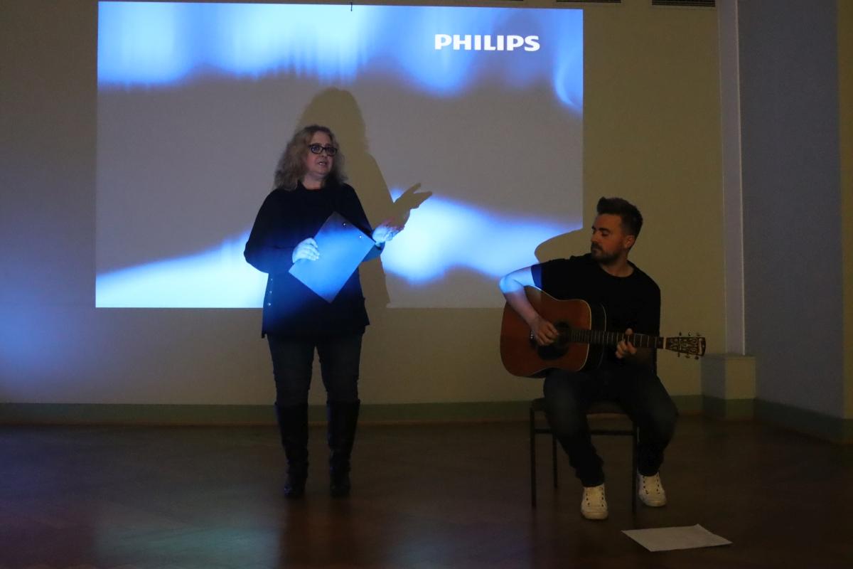 Ria Gerth introducing Niklas Senger